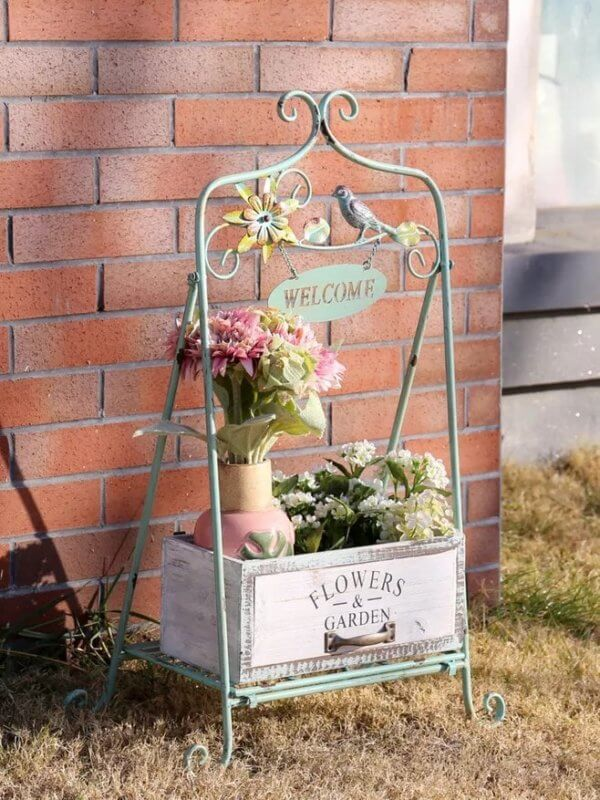 19 Most Creative Low Budget Vintage Plant Stand Ideas